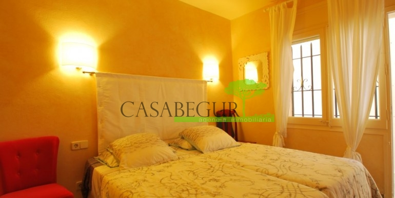 ref-968-sale-apartment-sale-center-begur-costa-brava-casabegur (14)