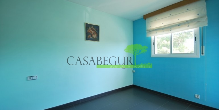 ref-978-sale-house-near-center-begur-costa-brava (5)