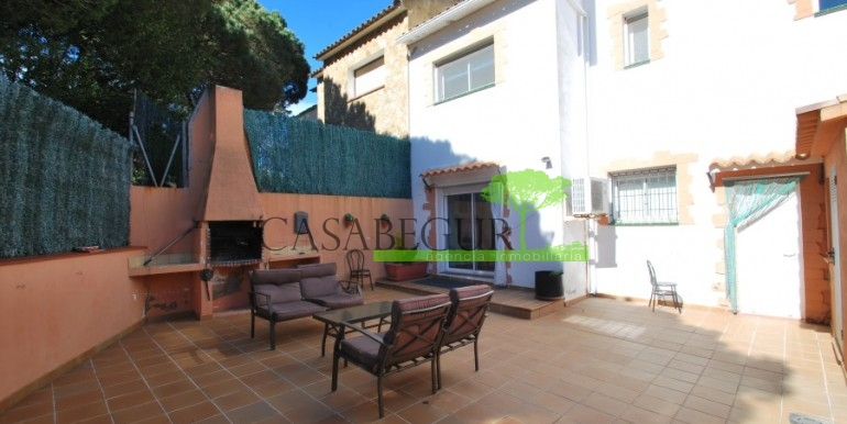ref-978-sale-house-near-center-begur-costa-brava (7)