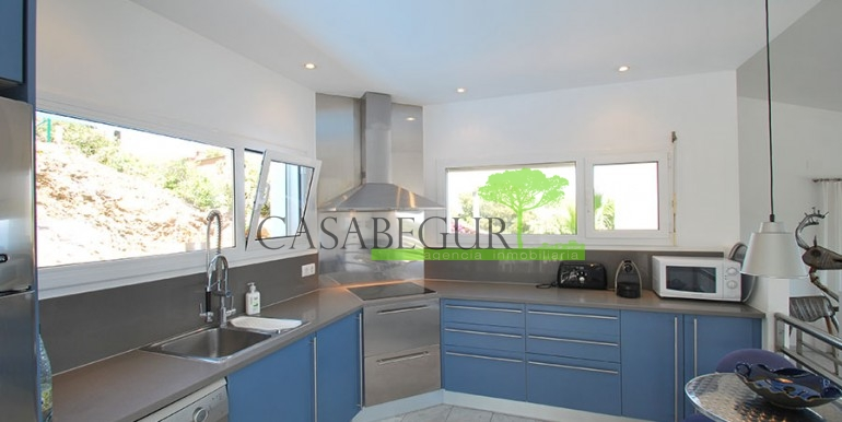 ref-972-sale-house-villa-sa-tuna-sea-views-costa-brava-casabegur-2