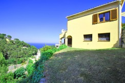 House for sale near Sa Tuna beach