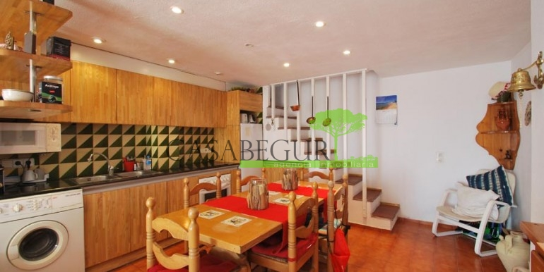 ref-989-sale-apartment-center-begur-casabegur5