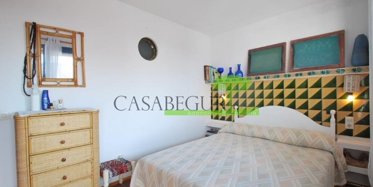 ref-989-sale-apartment-center-begur-casabegur9