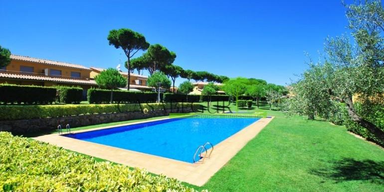 ref-994-sale-apartment-pals-beach-pool-garden-costa-brava-casabegur1