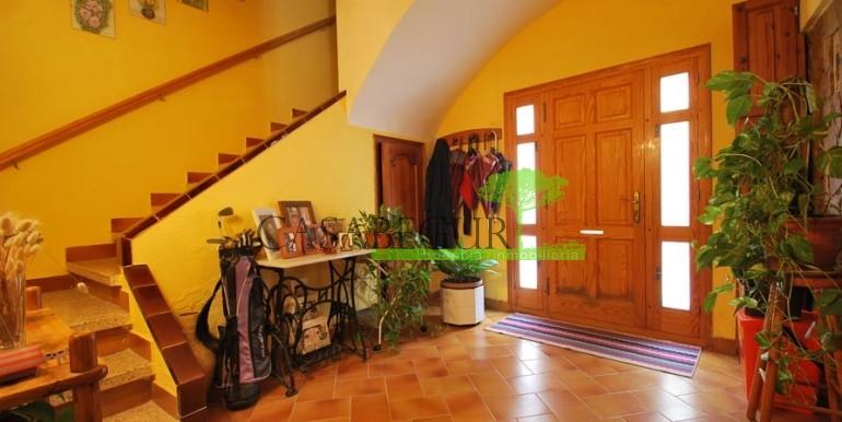 ref-1056-sale-village-house-center-begur-costa-brava1