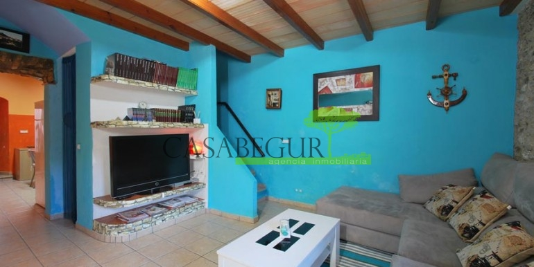 ref-1066-sale-village-house-center-begur-pool-garden-costa-brava-casabegur6