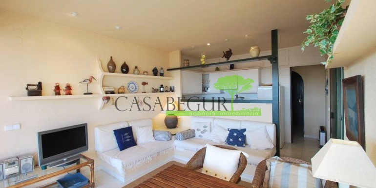 ref-1090-sale-apartment-aiguablava-sea-views-costa-brava-casabegur-2