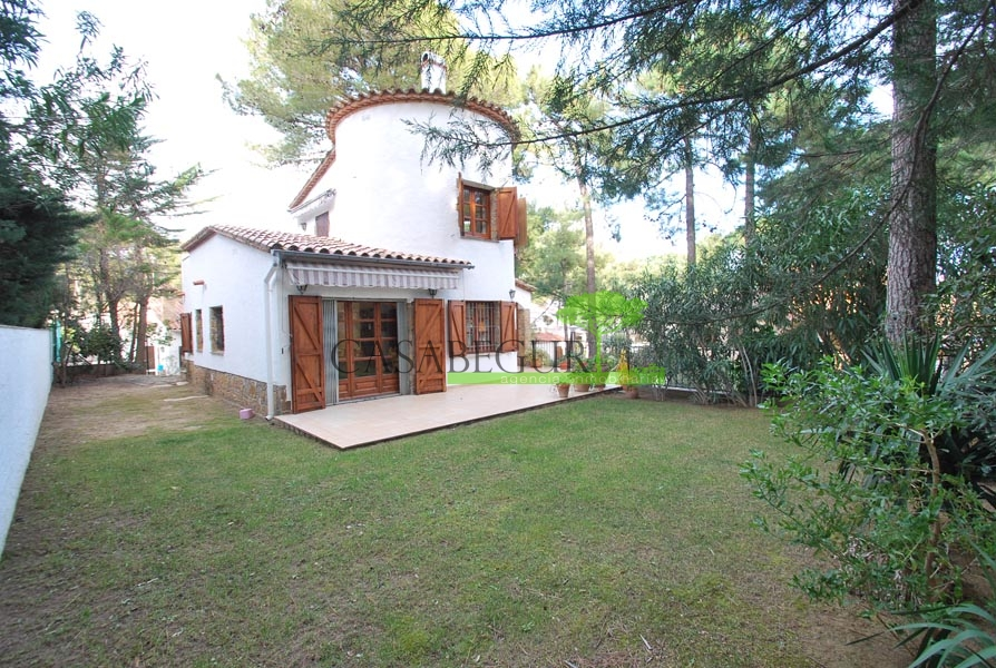 Property for sale near the beach of Pals