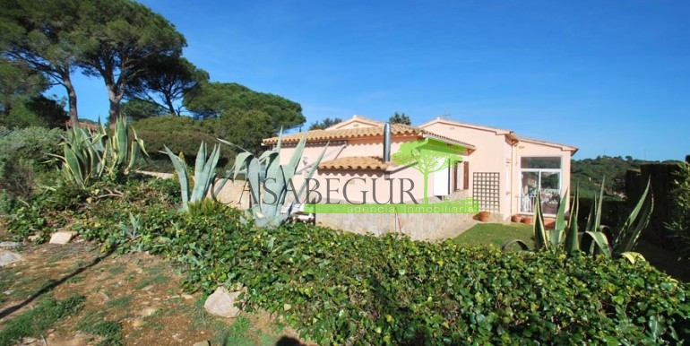 ref-1099-sale-house-sa-riera-es-valls-sea-views-costa-brava-casabegur-1