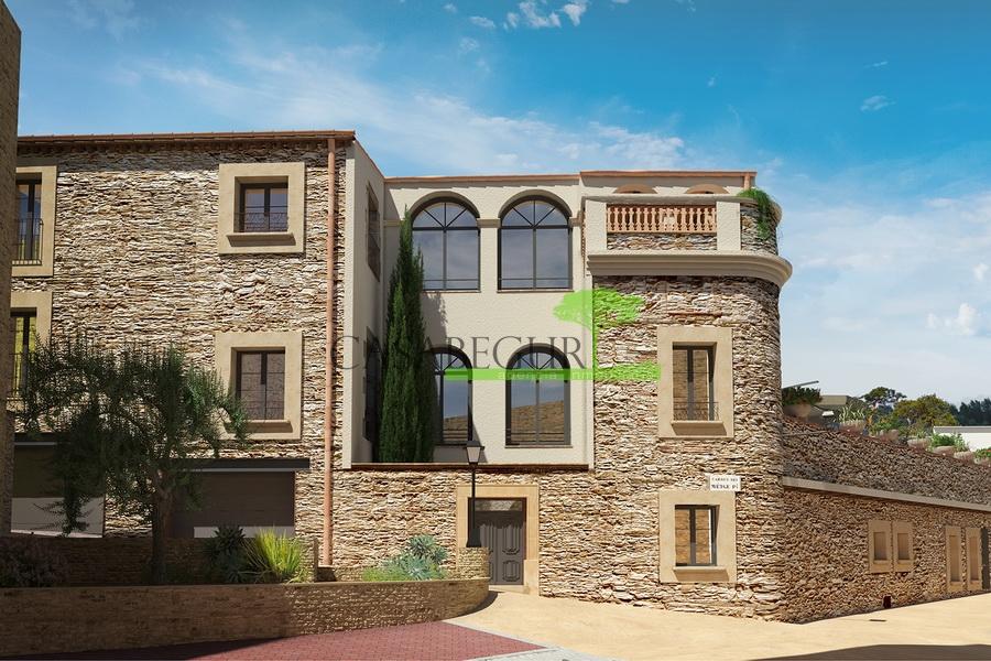 1100- Casa de pueblo / Hotel en el centro de Begur
