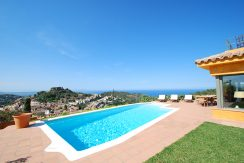 Exclusive property for sale in center of Begur, Costa brava