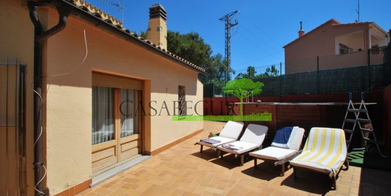 ref-983-sale-house-near-center-begur-pool-sea-views-costa-brava-sa-fontansa (2)