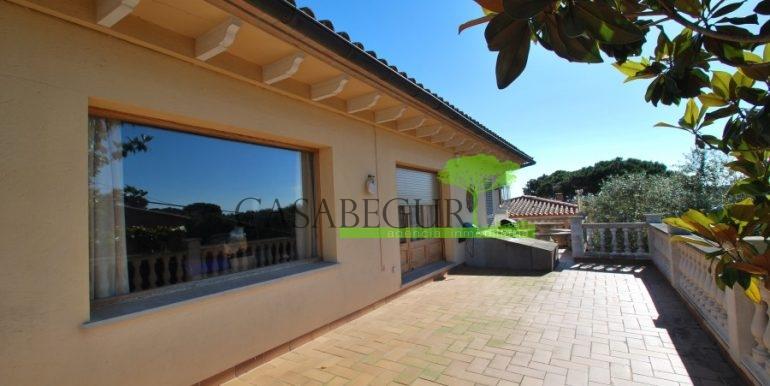 ref-983-sale-house-near-center-begur-pool-sea-views-costa-brava-sa-fontansa (20)