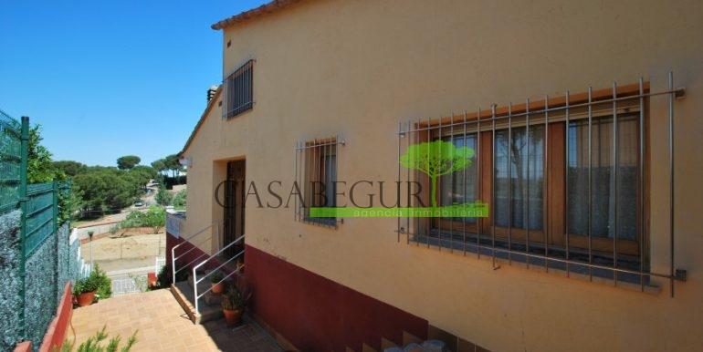 ref-983-sale-house-near-center-begur-pool-sea-views-costa-brava-sa-fontansa (5)
