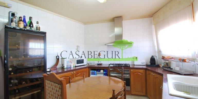 ref-983-sale-house-near-center-begur-pool-sea-views-costa-brava-sa-fontansa (9)
