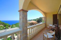 Casa en venta cerca de Sa Tuna con vistas al mar