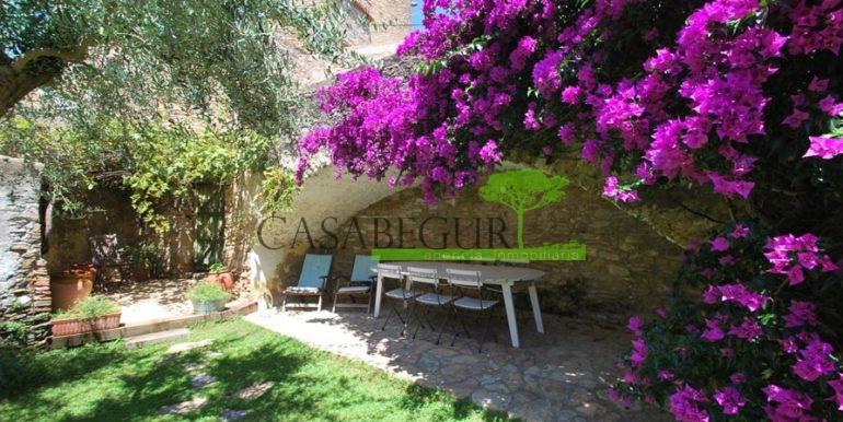 ref-1167-sale-townhouse-center-garden-pool-casa-de-pueblo-centro-begur-piscina-construir-rustico-casabegur-4