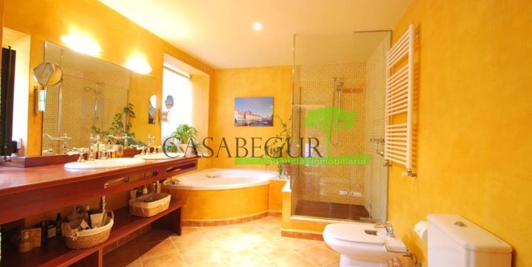 ref-1169-sale-townhouse-center-begur-pool-sale-casa-pueblo-centro-venta-piscina-8