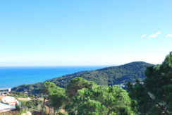 Plot with sea views for sale near Sa Riera beach