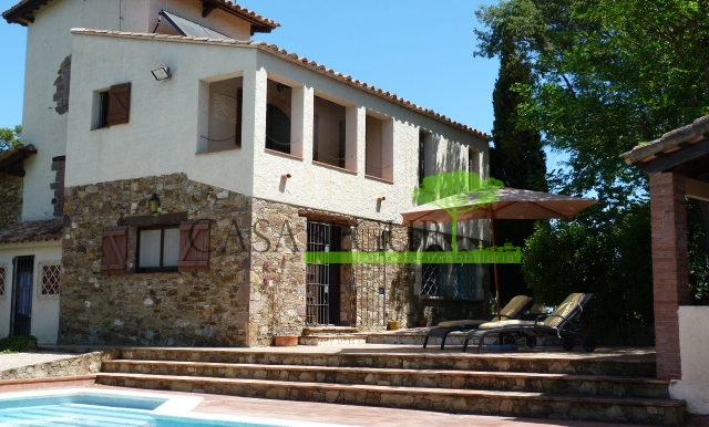 ref-1183-for-sale-casabegur-villa-forallac-3