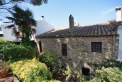 1206-Village house for sale in the center of Begur