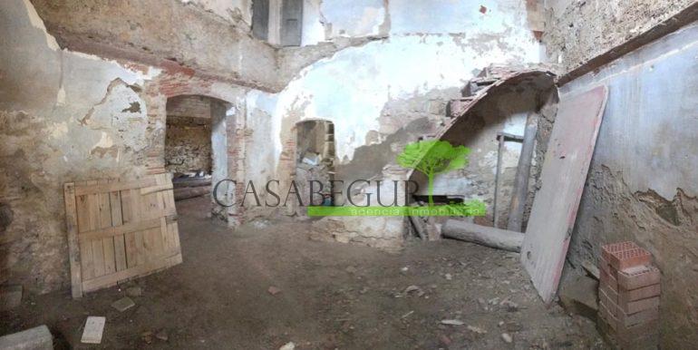 ref-1993-sale-townhouse-center-begur-ruin-garden-casabegur-costa-brava-sales-5