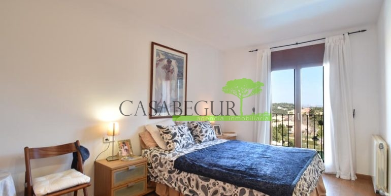 ref-1209-sale-house-center-town-sea-views-costa-brava-casabegur-18