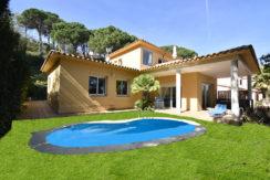Vrijstaande villa te koop dicht bij Sa Riera, Begur