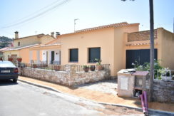 1222- Property near the center of Begur