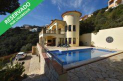 1236- Precioso chalet con piscina privada
