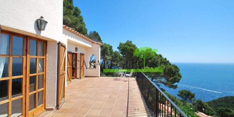 ref-1147-villa-pool-views-sa-tuna-begur-12