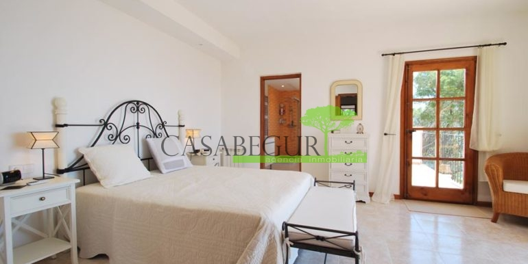 ref-1147-villa-pool-views-sa-tuna-begur-14