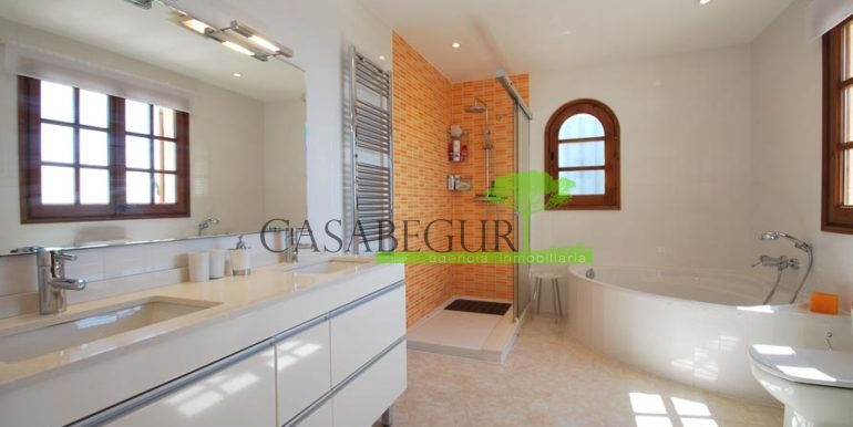 ref-1147-villa-pool-views-sa-tuna-begur-16