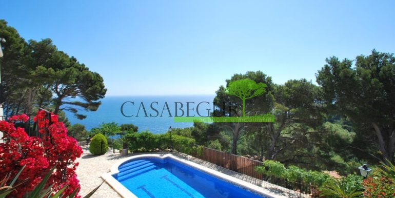 ref-1147-villa-pool-views-sa-tuna-begur-3