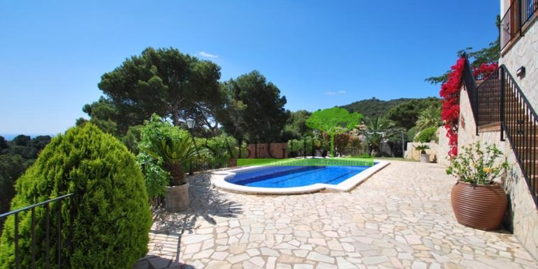 ref-1147-villa-pool-views-sa-tuna-begur-5