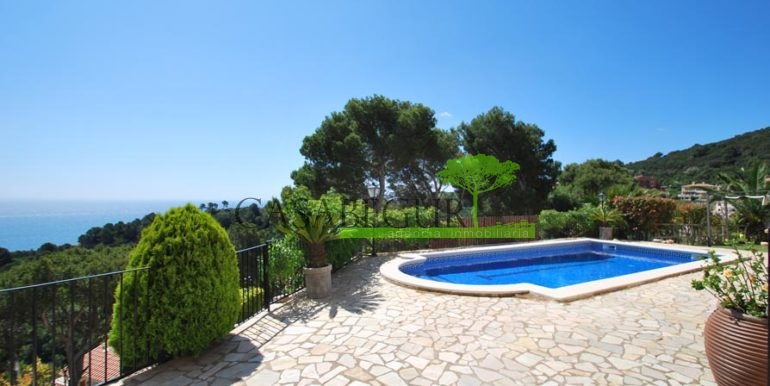 ref-1147-villa-pool-views-sa-tuna-begur-8
