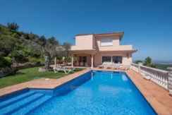 1215-Exclusive property with incredible sea views