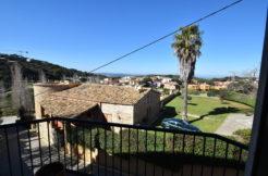 1226- Apartamento en el centro de Begur.