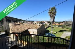 1226- Apartment in the center of Begur.