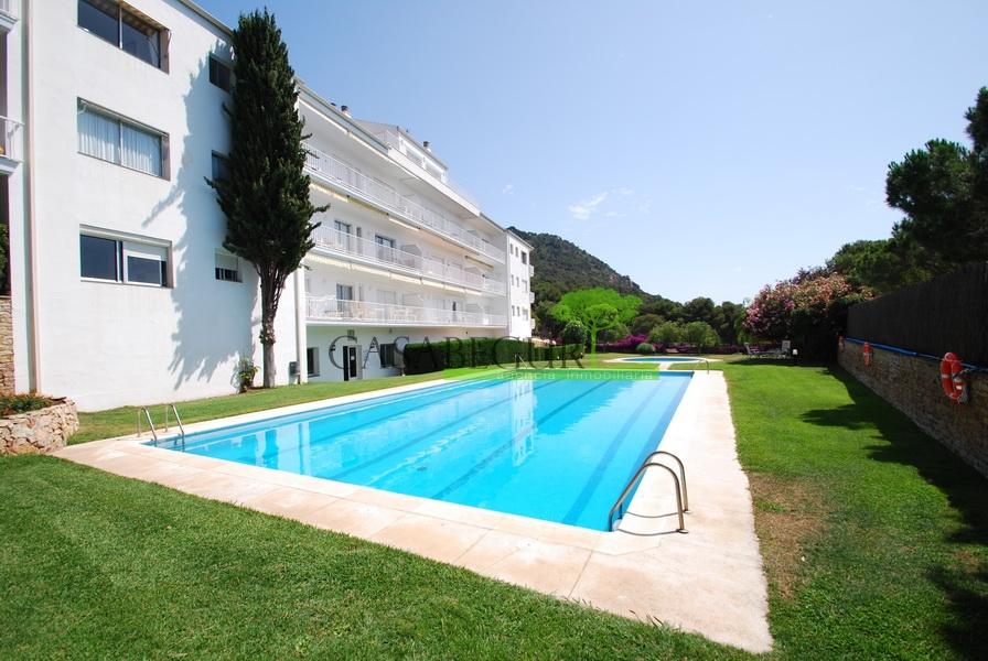 1254-  Studio dans Aiguablava avec une piscine commune.