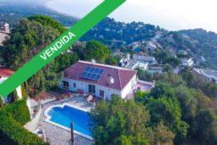 1261- Maison agréable avec piscine privée et vue spectaculaire sur la mer située dans l'urbanisation exclusive «Els Torradors» de Begur.