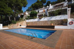 1275- Apartment in La Borna with communal pool.