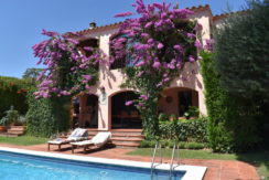1234- Property in Sant Miquel de Fluviá near the center.