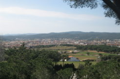 1282- Gran finca ubicada en Esclanyá.