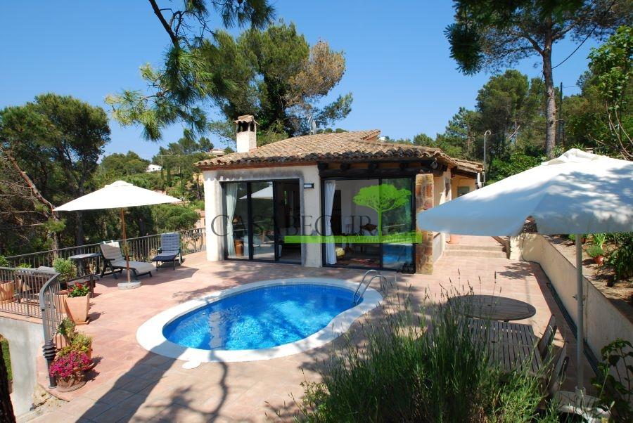 1287- Bonita casa individual situada en la tranquila urbanización Residencial Begur