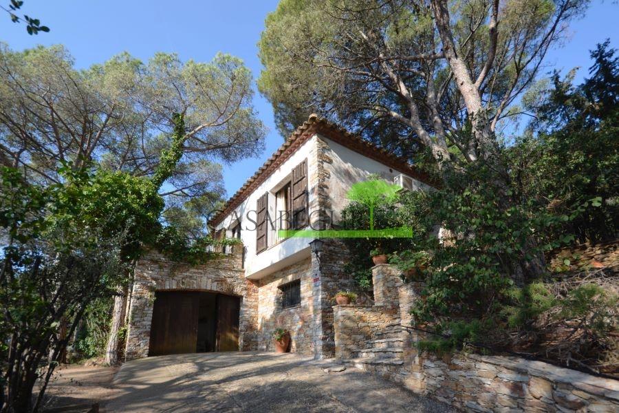 1288- Casa en Urbanización Casa de Campo con bonitas vistas.