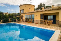 1301  Huis met uitzicht op zee in Es Valls.