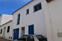 1299  Casa de pueblo en el centro de Begur.