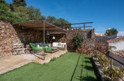 1309  Casa de pueblo en el centro de Begur con jardín .