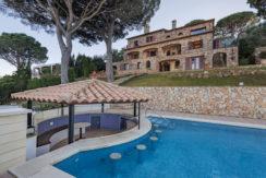 1321 Uitzonderlijk villa  in mediterrane stijl in Begur.